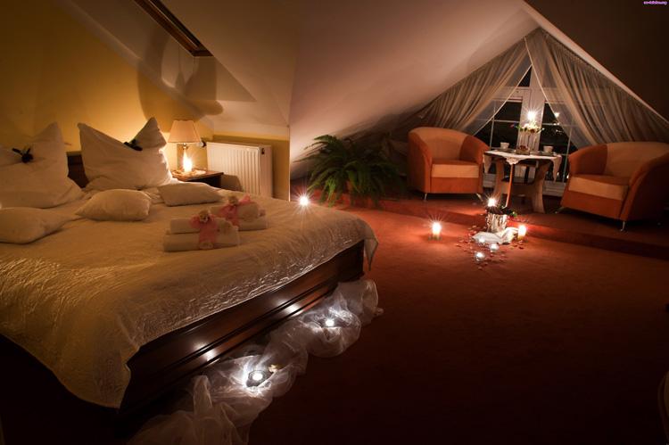 świece robią klimat w sypialni